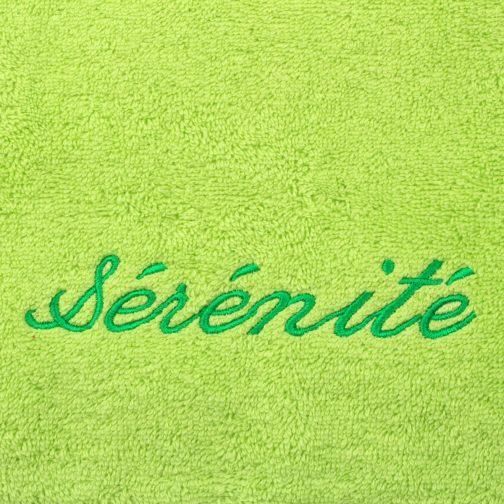 serviette vert brodée vert sérénité