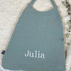 serviette maternelle vert police times Julia