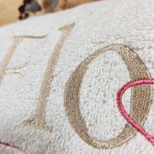 Meilleur cadeau personnalisé draps de bain pour deux détail naturel brodé lin